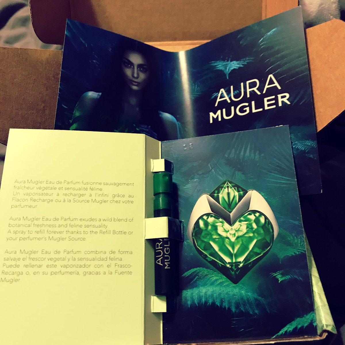 Aura Mugler Fragrance Sample